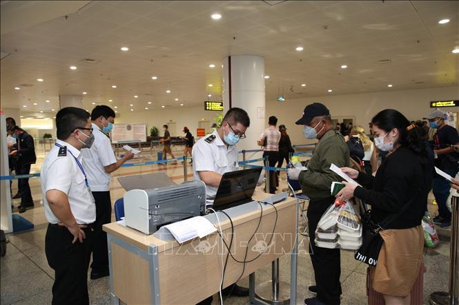 Hôm nay, Việt Nam đón gần 7.000 khách từ châu Âu và ASEAN về nước.