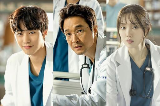 Tiếp nối thành công trong phần 1, Người thầy y đức 2 đạt tỷ suất người xem cáo ngất ngưỡng trên đài SBS đầu năm 2020.
