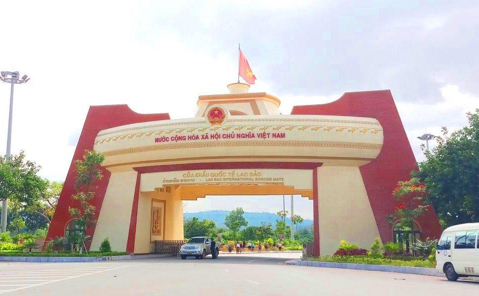 Theo dự báo trong nhiều ngày tới sẽ có khá đông công dân Việt Nam trở về từ Lào qua cửa khẩu Lao  Bảo để tiến hành các biện pháp kiểm tra y tế, trước lúc đưa đến các Khu cách ly tập trung 14 ngày