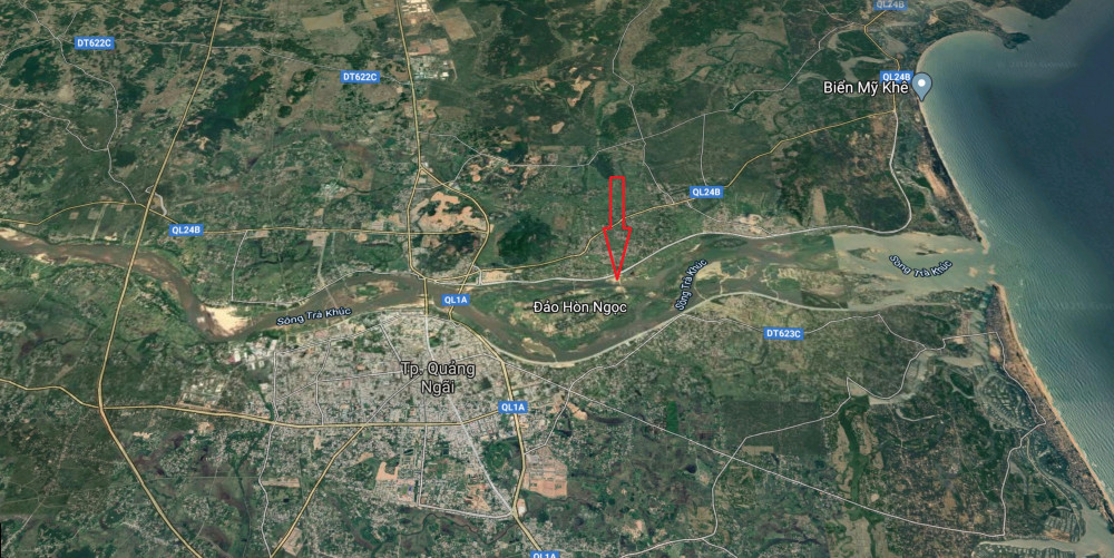 Đảo Ngọc (mũi tên đỏ) - Ảnh chụp từ Google map
