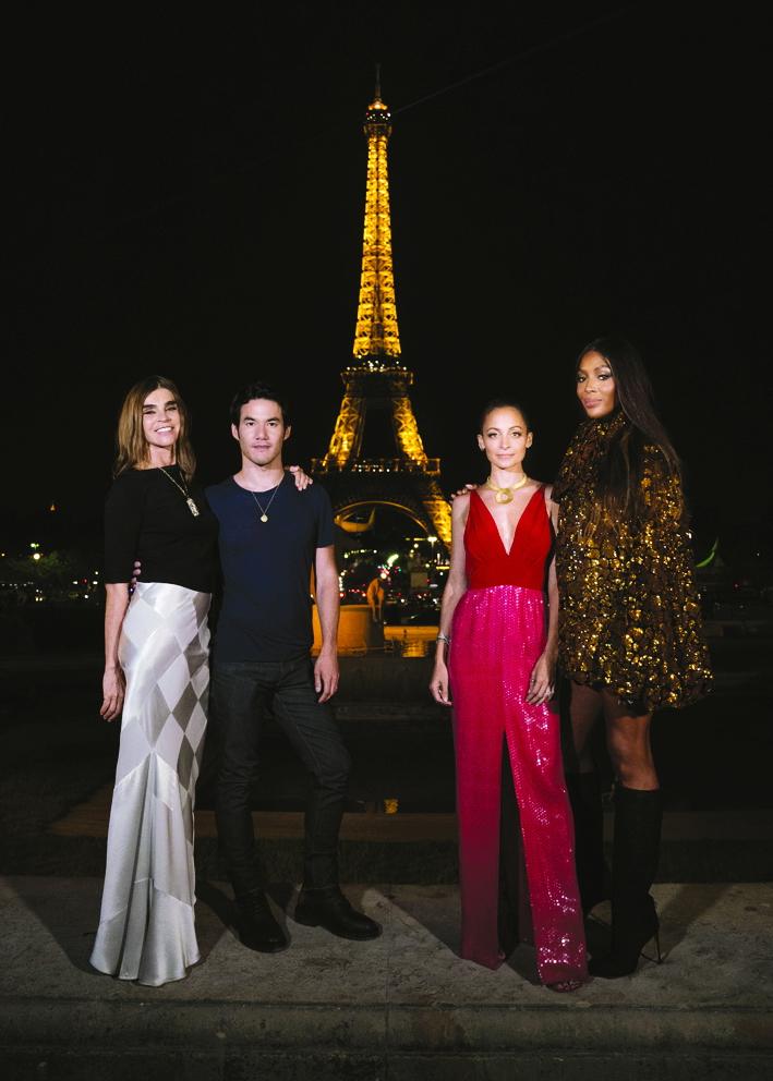 Ban giám khảo của Making the cut  trong một cảnh quay ở Paris