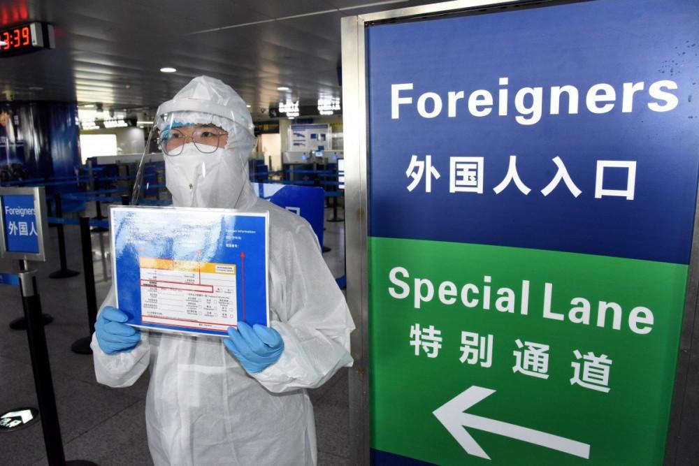 Số ca nhiễm mới virus corona bất ngờ tăng cao tại Hong Kong.