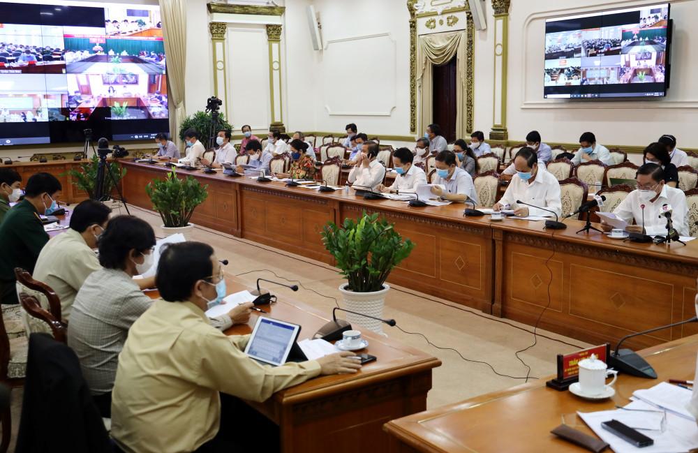 Thứ 7 tuần này, đích thân ông Nguyễn Thành Phong sẽ đi từng quận huyện kiểm tra các phương án ứng phó với dịch bệnh covid-19