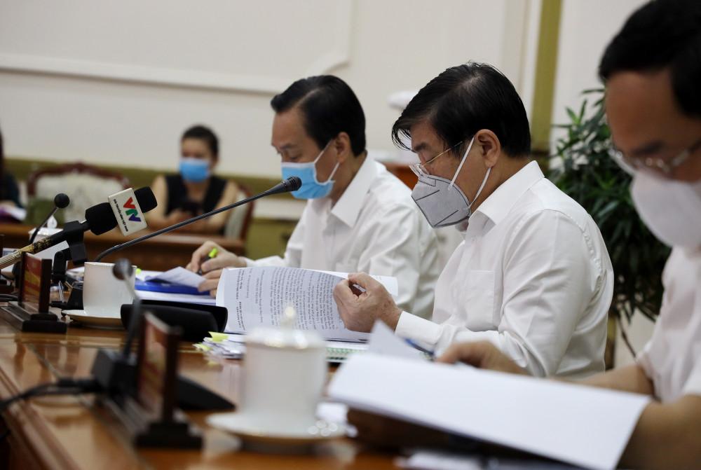 Chủ tịch Nguyễn Thành Phong đã nêu thêm nhiều phương án liên quan đến cách ly, phòng chống dịch bệnh covid-19 của TPHCM