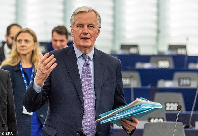 Ông Michel Barnier là thành viên cấp cao nhất của EU nhiễm COVID-19 cho đến nay.