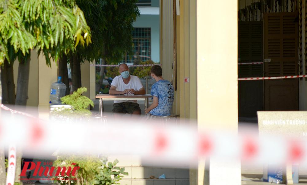 Người nước ngoài tại khu cách ly Trung tâm giáo dục Quốc phòng - An ninh, ĐHQG TP.HCM chiều 19/3