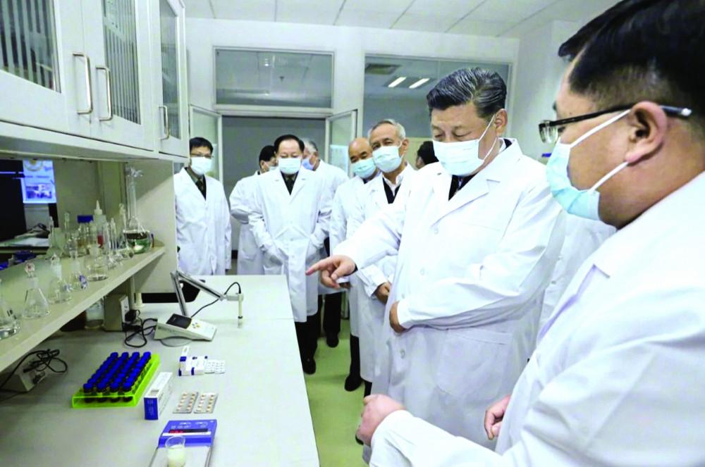 Chủ tịch Trung Quốc Tập Cận Bình kêu gọi các nhà khoa học làm tất cả những gì có thể cho cuộc chiến chống lại đại dịch COVID-19 - Ảnh: Tân Hoa Xã