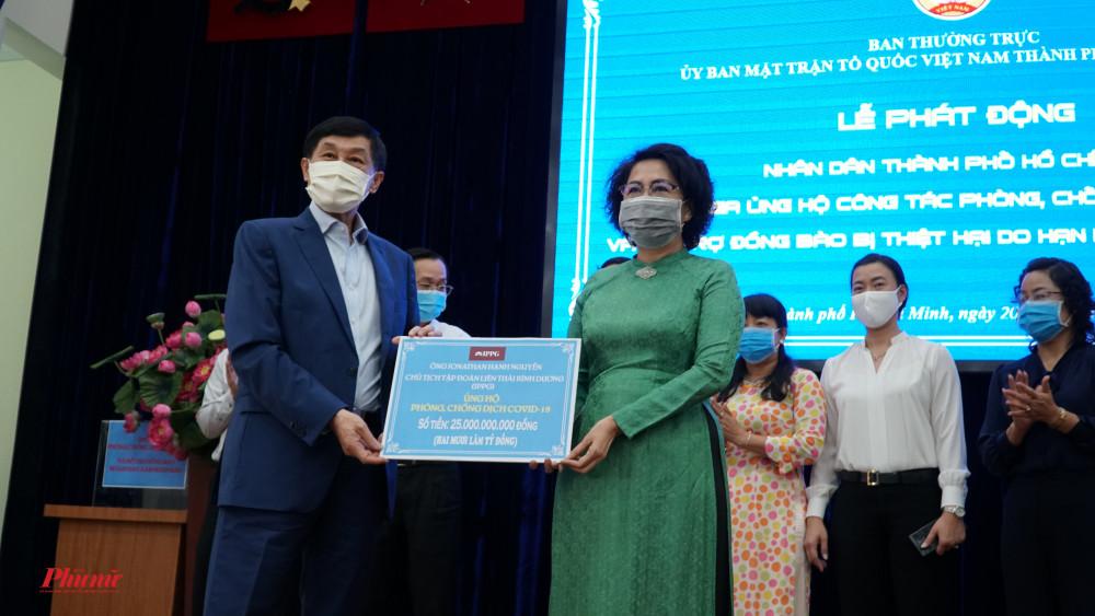 Ông  Johnathan Hanh Nguyễn quyên góp 25 tỷ đồng ủng hộ phòng, chóng dịch Covid-19