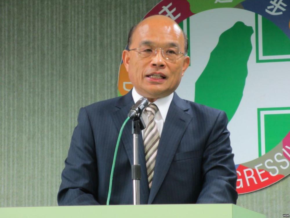 Thủ tướng Đài Loan Tô Trinh Xương khuyến khích người dân mua sắm để ủng hộ nền kinh tế địa phương.