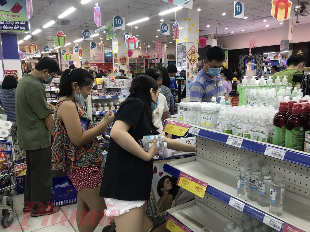 Theo Vụ Thị trường trong nước, kinh nghiệm trong việc cung ứng hàng hóa ở Sơn Lôi, Vĩnh Phúc, kênh phân phối hàng hóa từ các điểm bán xăng dầu, cung cấp điện, đưa hàng vào siêu thị, điểm bán để đến tay người dân…