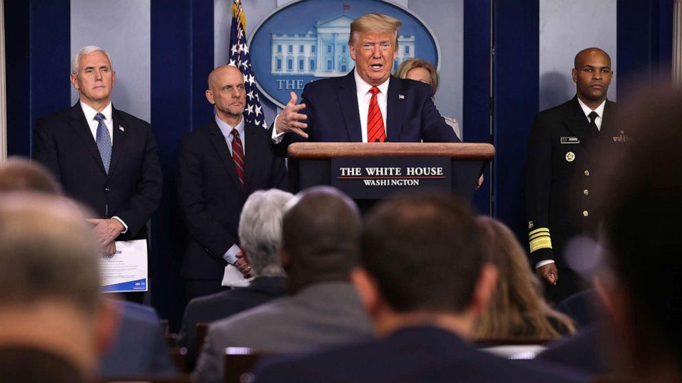 Thăm dò mới công bố cho thấy số người ủng hộ quyết định xử lý dịch bệnh của Tổng thống Trump đang gia tăng - Ảnh: ABC News