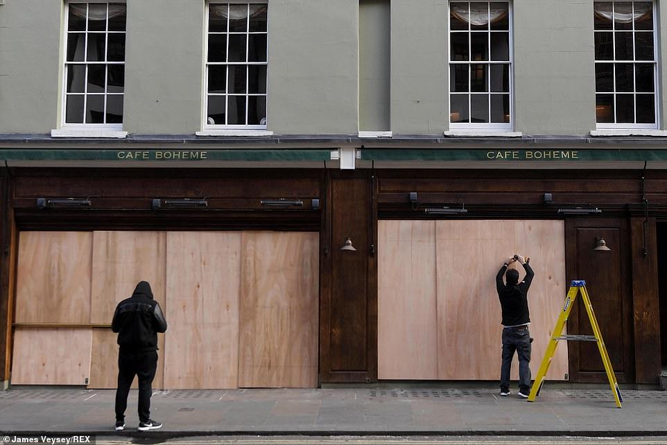 Những quán cà phê tại Anh đang chuẩn bị đóng cửa
