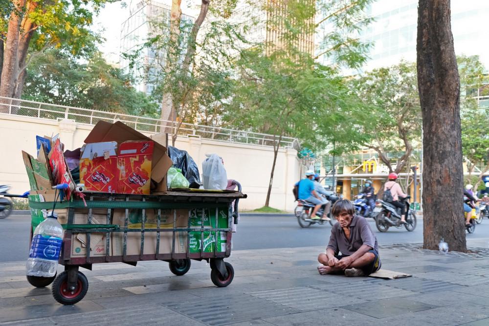"""Ông Hùng và chiếc xe đẩy """"lang thang"""" khắp Sài Gòn"""