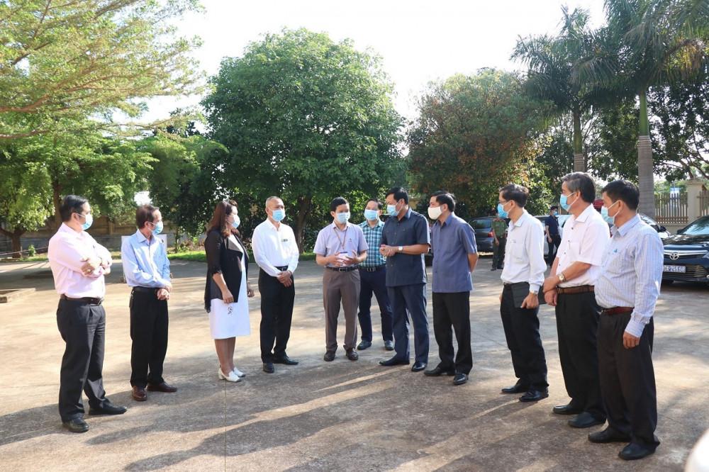 Đoàn công tác doThứ trưởng Bộ Y tế Đỗ Xuân Tuyên làm Trưởng đoàn làm việc tại Đắk Lắk
