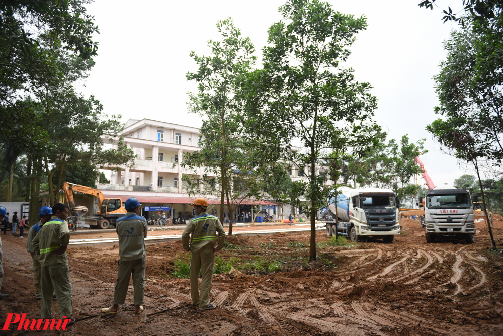 Chỉ đạo phòng chống dịch COVID-19 ở Hà Nội, Chủ tịch UBND TP Hà Nội Nguyễn Đức Chung đã cho biết trong tình hình những ngày tới dự kiến công dân từ châu Âu về đông, thành phố đã lên kế hoạch chuẩn bị cơ sở vật chất, địa điểm tiếp đón, cách ly. Trong đó, Bệnh viện Đa khoa Mê Linh cũ được cải tạo với mục đích phục vụ 200 người.