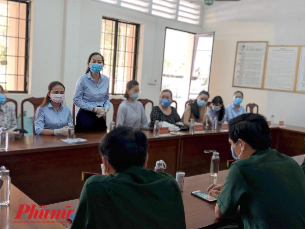 Bà Lâm Thị Ngọc Hoa – Phó Chủ tịch Hội Liên hiệp phụ nữ TP.HCM bày tỏ lòng biết ơn trước tinh thần trách nhiệm và những nỗ lực của các cán bộ, chiến sĩ của trường Quân sự TP