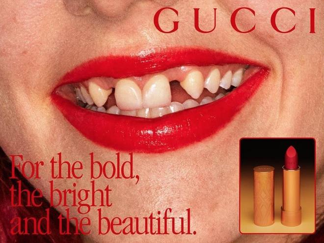 Dani Miller từng làm mẫu quảng cáo son môi của Gucci năm 2019.