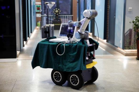 Con robot nhỏ gọn với cánh tay nhân tạo có thể thực hiện mọi quy trình sàng lọc, chẩn đoán mà bác sĩ cần thực hiện đối với bệnh nhân nghi nhiễm COVID-19.