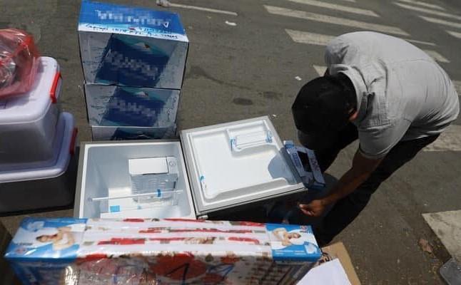 Không ít gia đình gửi cả tủ lạnh vào khu cách ly cho con. Ảnh từ Internet