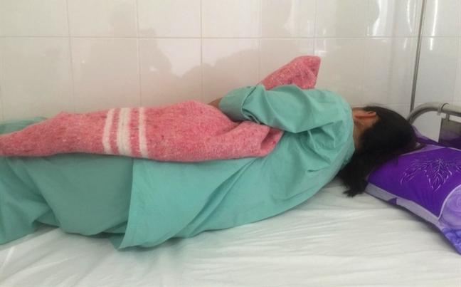 Chị Dương Huỳnh Thu T. sau khi bị đánh có dấu hiệu trầm cảm nặng, ảnh Thuận Hóa chụp ngày ngày 19/9/2099