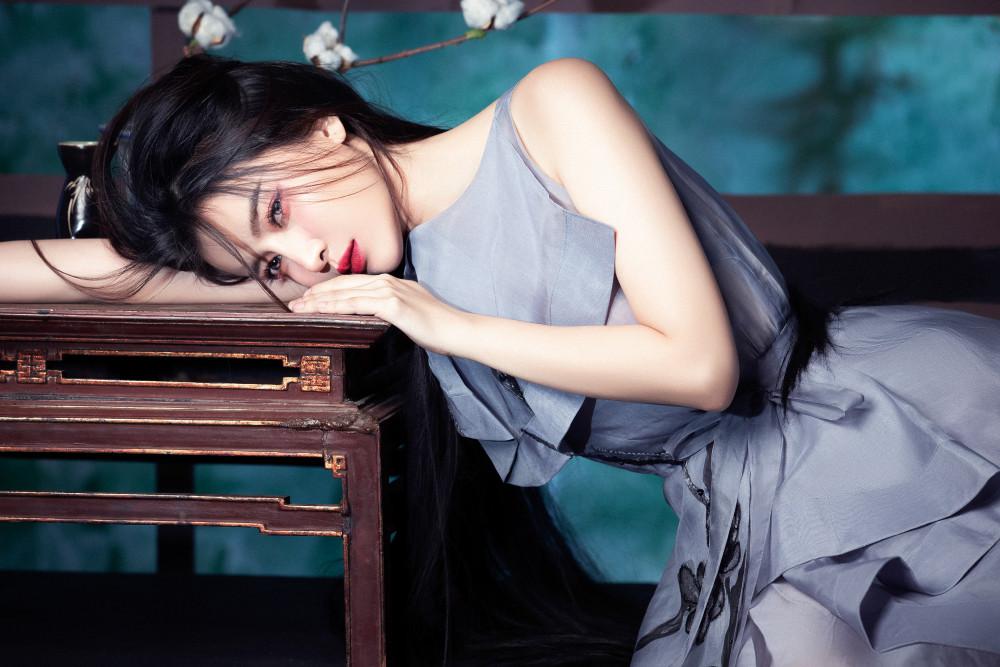 Bước qua tuổi 30, Cao Thái Hà cũng mong muốn tìm được một nửa phù hợp với mình nhưng do duyên chưa tới và bận rộn với công việc nên không có nhiều thời gian nghĩ đến vấn đề tình cảm. Được biết, cô vừa hoàn thành vai diễn trong bộ phim hình sự Bão ngầm, dự kiến sẽ lên sóng trong năm 2020.