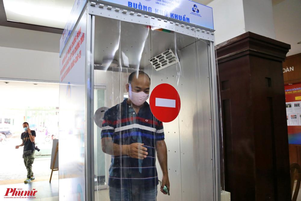 Tổ chức Y tế thế giới không khuyến cáo áp dụng phương pháp phun sương trong khử khuẩn bề mặt.