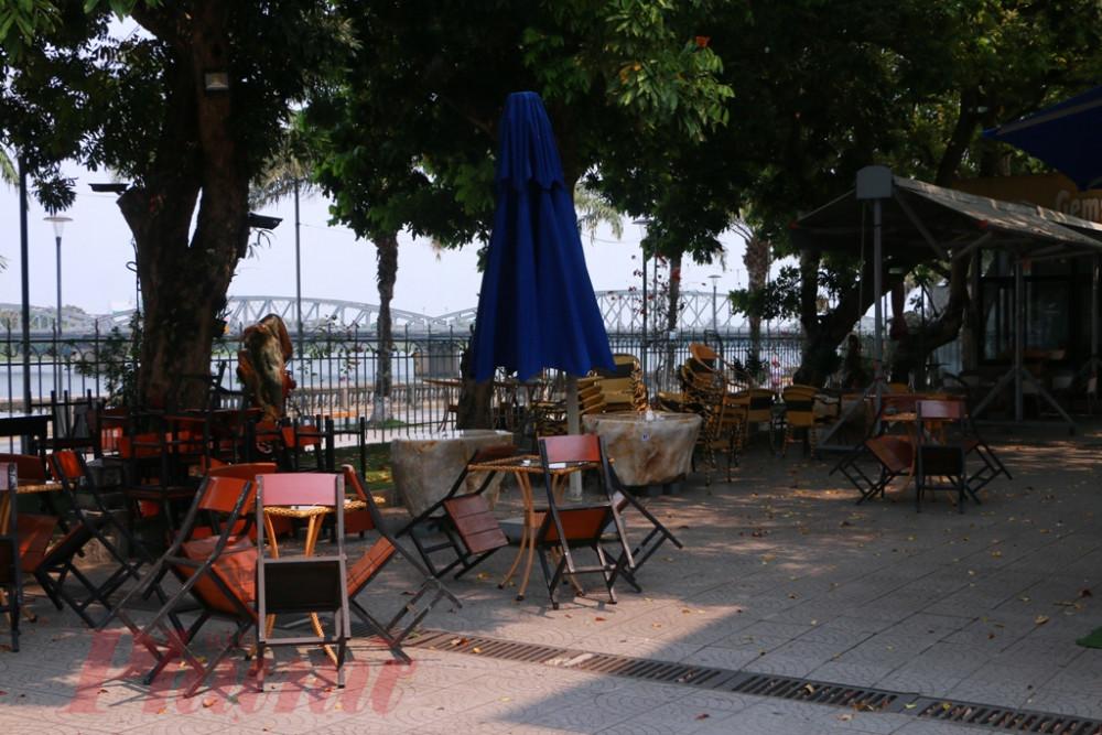 Quán cà phê ở Bảo tàng văn hóa Huế bên dòng Hương thơ mộng đã đóng cửa đón khách