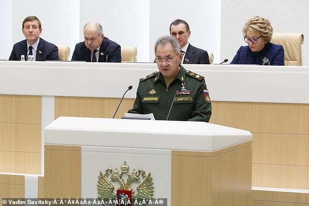 Bộ trưởng Quốc phòng Nga Sergei Shoigu công bố kế hoạch trong cuộc họp ngày 26/3.