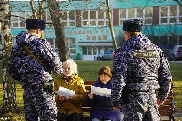Thị trưởng Moscow yêu cầu các cư dân trên 65 tuổi nên ở trong nhà.