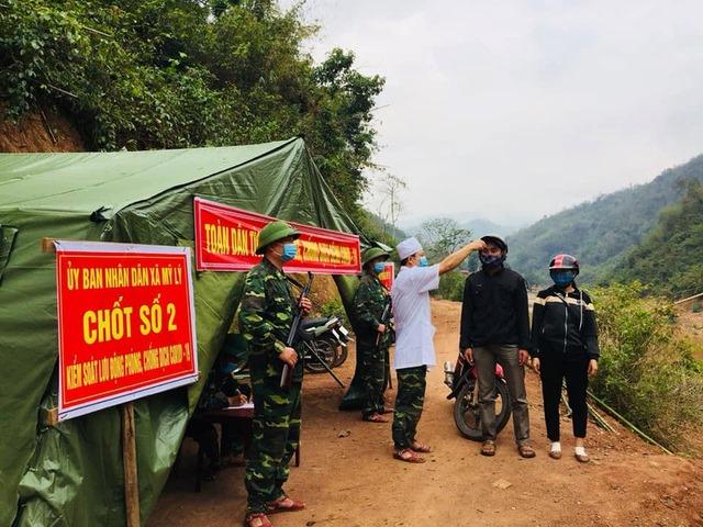 Những chốt phòng chống dịch COVID- 19 được bố trí ở dọc biên giới Việt - Lào