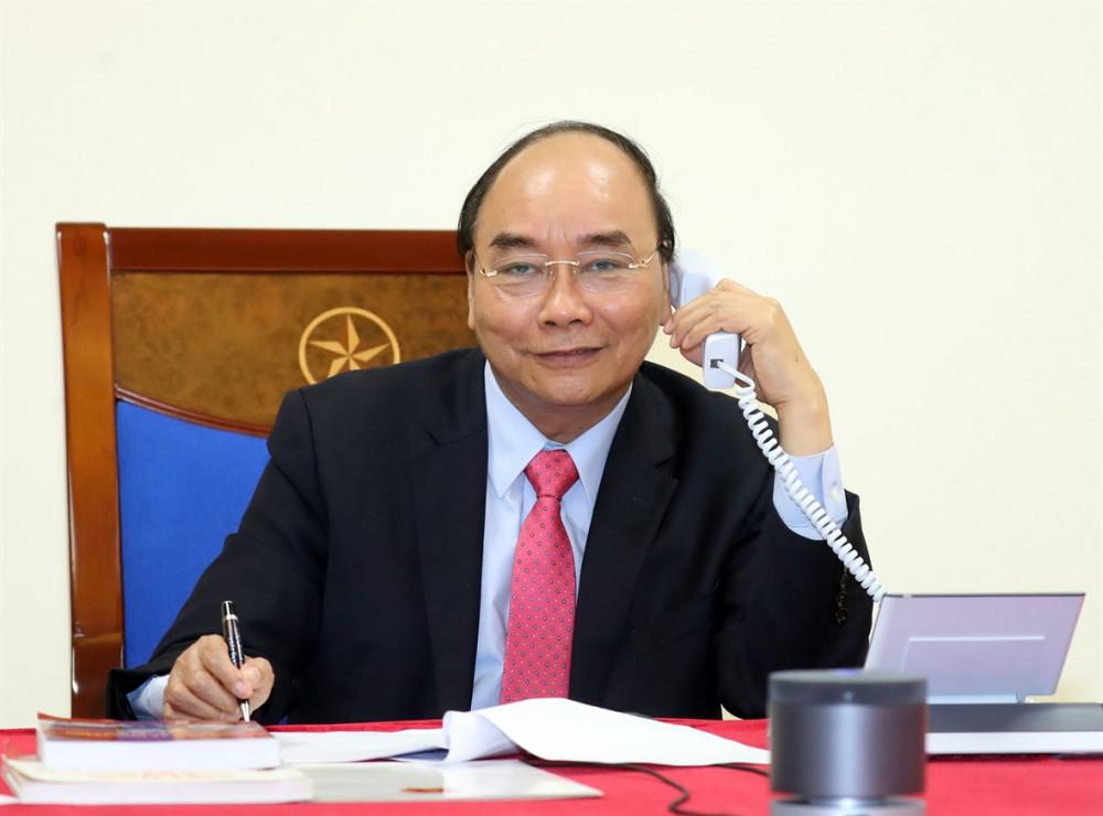 Thủ tướng Nguyễn Xuân Phúc điện đàm với Thủ tướng  Lào Thongloun Sisoulith và Thủ tướng Campuchia Samdech Techo Hun Sen về ứng phó COVID-19