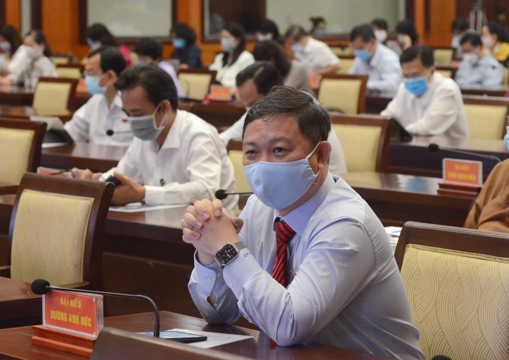 Ông Dương Anh Đức tại kỳ họp 19 của HĐND TP.HCM ngày 27/3/2020
