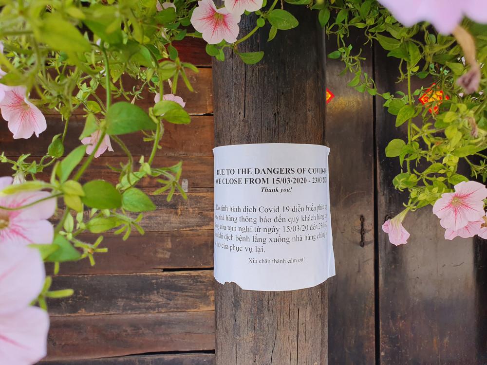 Nhiều quán dán thông báo ngưng phục vụ