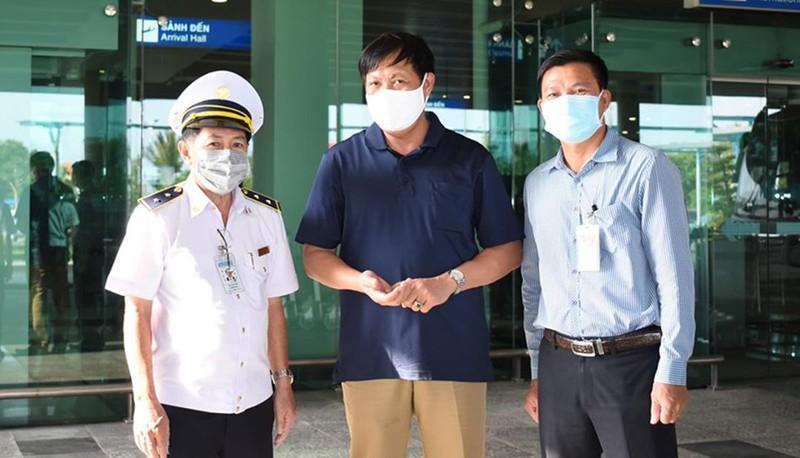 Tiếp tục giám sát chặt chẽ tại sân bay để kiểm soát dịch bệnh.