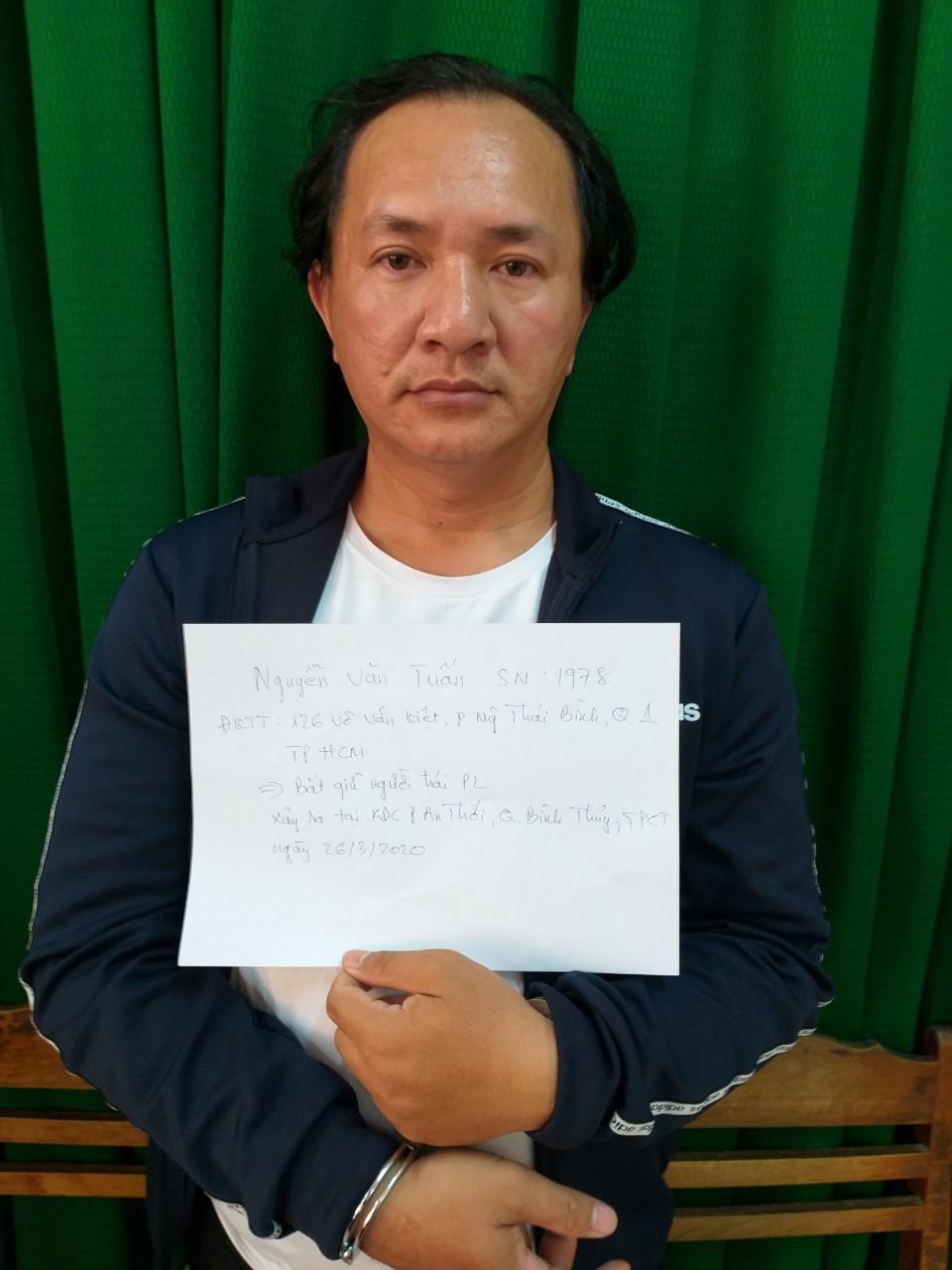 Đối tượng Nguyễn Văn Tuấn bị công an Cần Thơ bắt giữ
