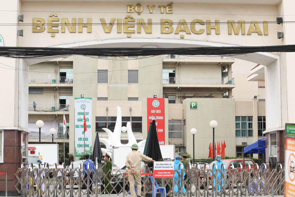 Bệnh viện Bạch Mai hiện đang là ổ dịch lớn.
