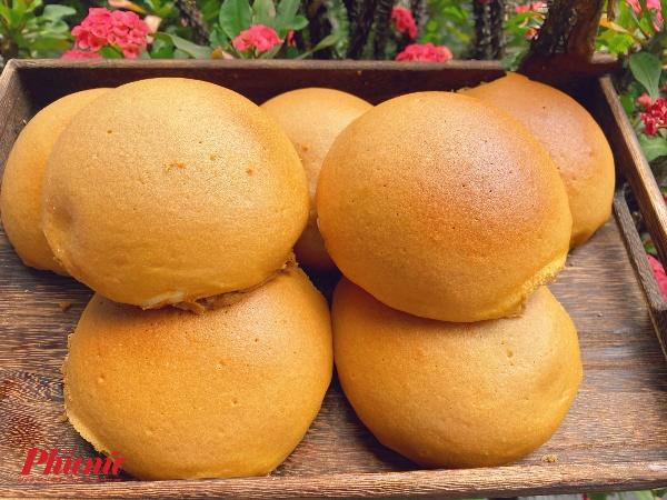Bánh mì cà phê paparoti với mùi thơm quyến rũ.