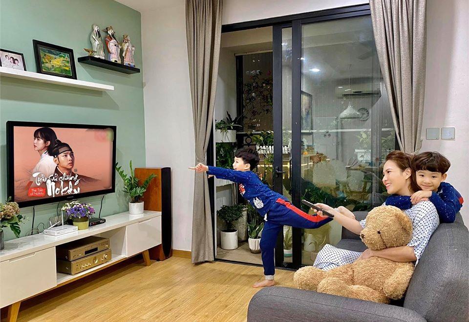 MC Đan Lê và 2 con