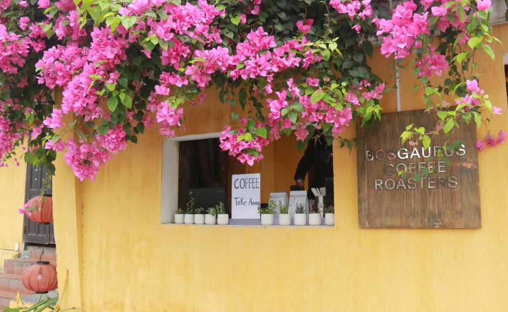 Một tiệm cà phê