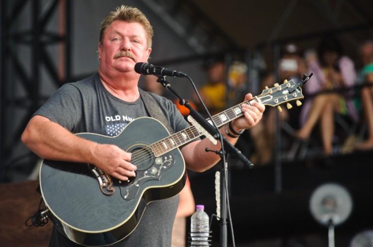 Joe Diffie - một tài năng lớn của dòng nhạc đồng quê cũng thiệt mạng vì COVID-19