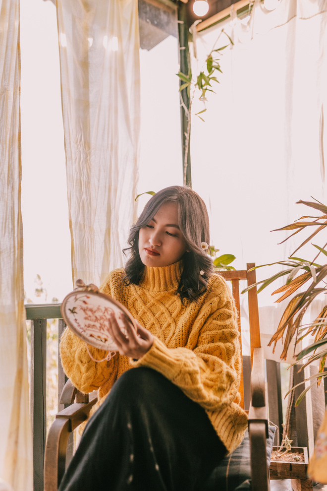 Nguyên Hà khiến người nghe thích thú bởi cách hát đơn giản, nhưng sâu lắng