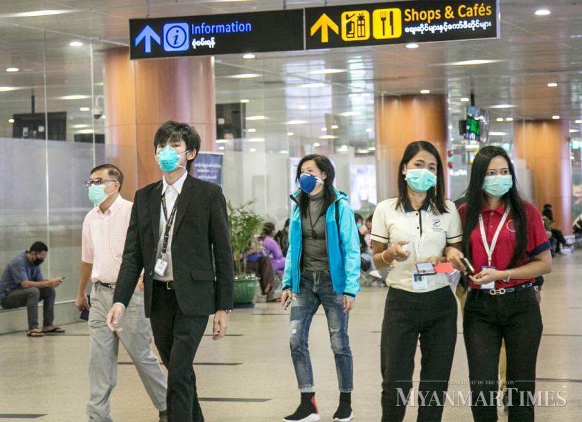 Người dân đeo khẩu trang tại Sân bay Quốc tế Yangon. Ảnh: Myanmar Times