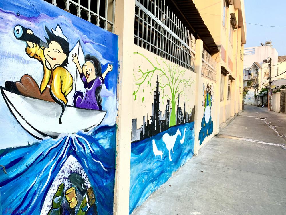 Bức tranh trên tường UBND phường 4, quận Gò Vấp, TPHCM.