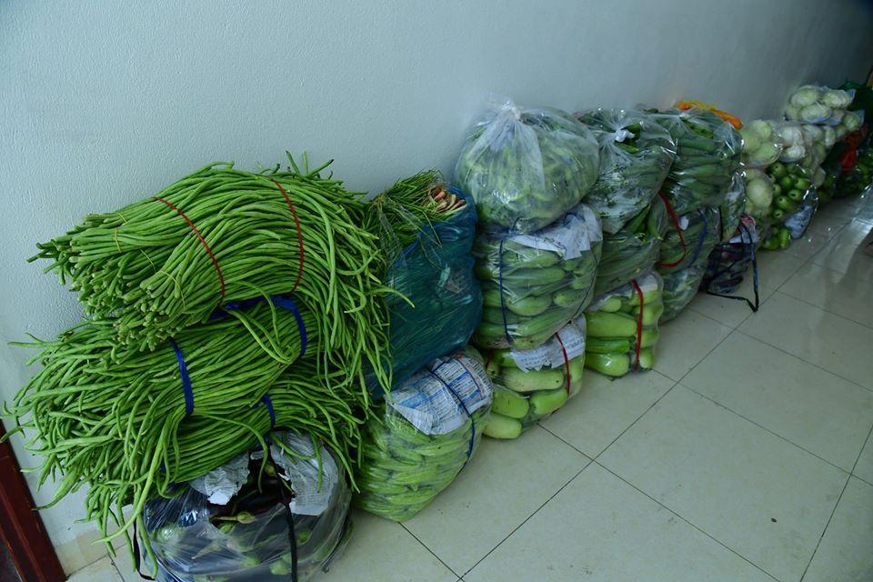 Cùng với nhu yếu phẩm, rau sạch là một trong những đồ dùng rất thiết yếu đối với các chiến sĩ Biên phòng trong giai đoạn này.