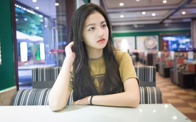 Sau khi hoàn thành xong các dự án phim ngoài Hà Nội, Bích Ngọc dự tính vào trong Nam trong thời gian tới theo đuổi ước mơ trở thành diễn viên chuyên nghiệp.