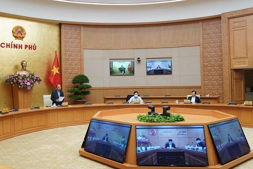 Thủ tướng Nguyễn Xuân Phúc chủ trì cuộc họp Thường trực Chính phủ nghe báo cáo của Ban Chỉ đạo quốc gia về phòng chống dịch COVID-19 - Ảnh: VGP/Quang Hiếu