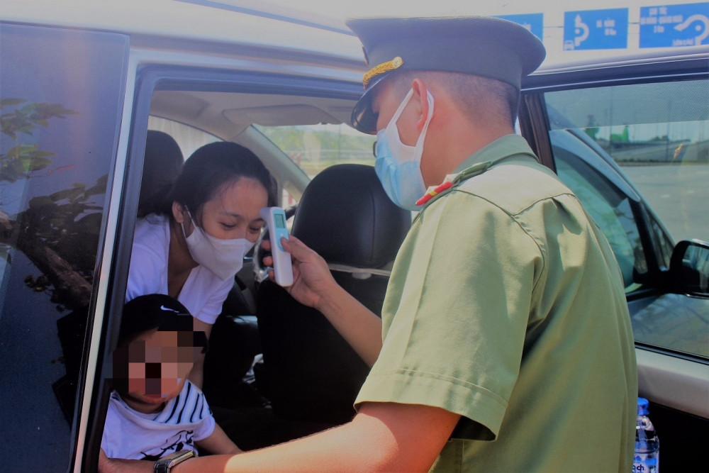 Việc kiểm tra, kiểm soát tại các chốt giao thông trọng yếu của Quảng Nam đang được thắt chặt.