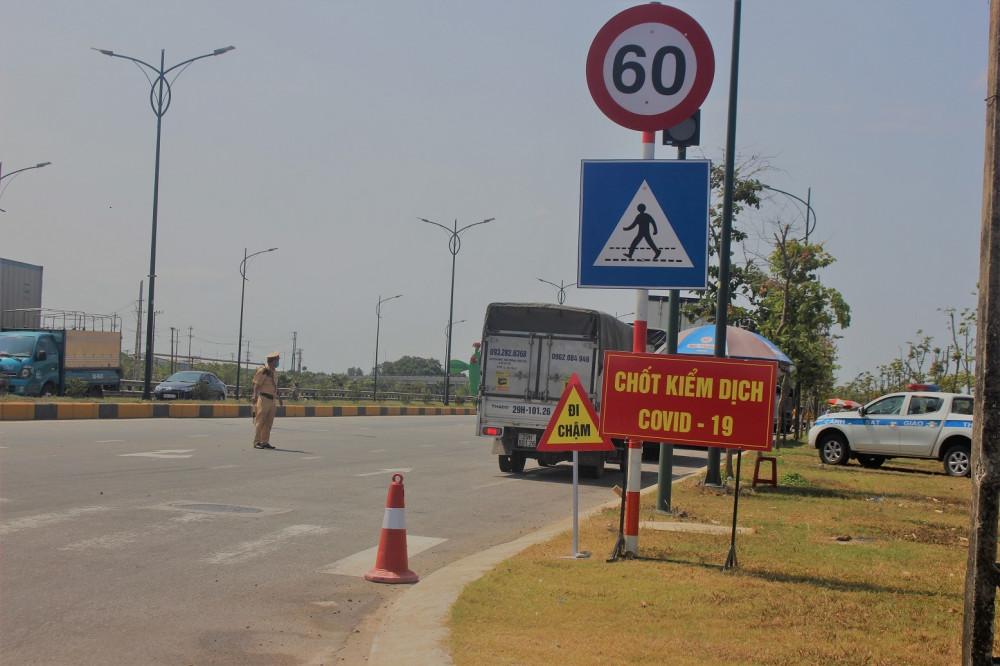 Quảng Nam đã lập 50 chốt kiểm soát dịch bệnh khắp các ngõ ra vào tỉnh