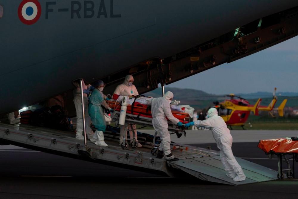 Hoa Kỳ vượt mốc hơn 300.000 ca nhiễm SARS-CoV-2.