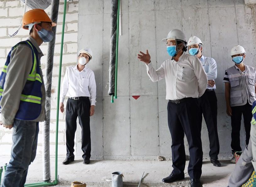 Đoàn kiểm tra, giám sát công tác chống dịch tại công trường Mê Linh